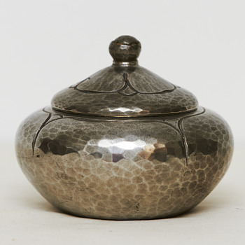 Lidded Pewter Jewelry Box or Bonbonnière (Denmark), ca. 1920