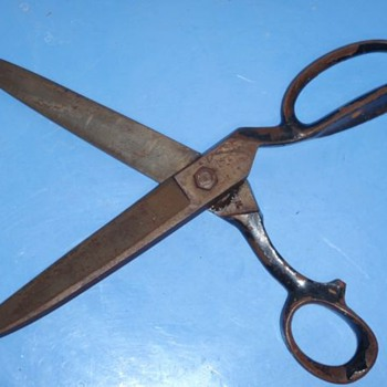 "J Wiss & Sons ""Facile"" Screw-Bolt Industrial Shears Scissors  - Tools and Hardware"