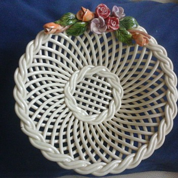 pottery basket - Art Pottery
