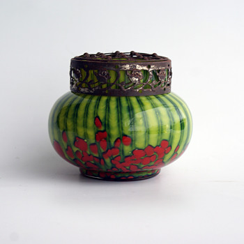 WELZ Strpies and Spots green/red small bulb vase