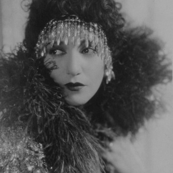 "Actress Bebe Daniels Rare  Original Linen-Backed Photo ""Stranded In Paris"" - Photographs"