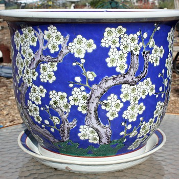 Large, hand-decorated flower pot - Japanese? Chinese?