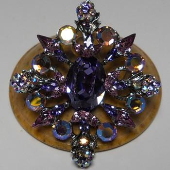 Modern Brooch, Circa 20 Century - Costume Jewelry