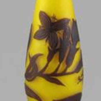 LOETZ RICHARD CITRON YELLOW CAMEO VASE - Art Glass