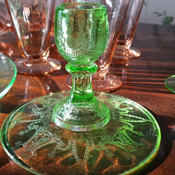 Candle holder uranium glass