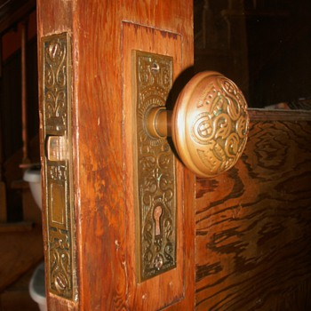 Door Knobs, Face Plates and Lock.