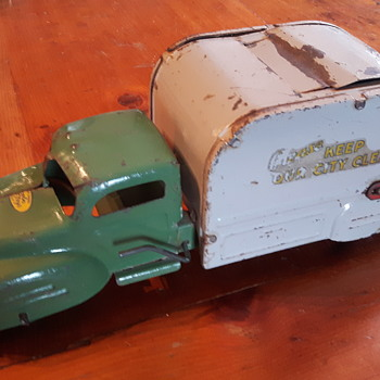 Lincoln Toys  Refuse Truck. - Model Cars