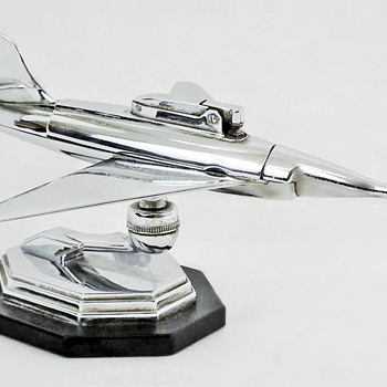 AIRPLANE CIGARETTE LIGHTER by Planet