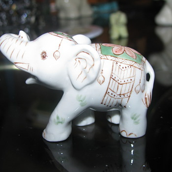 Glass elephant miniature 