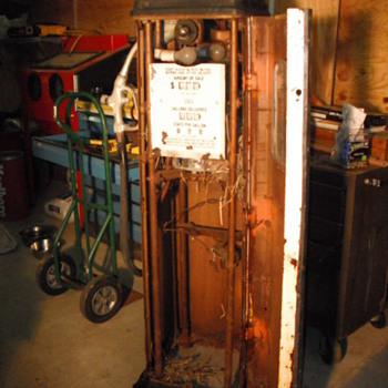My first gas pump restoration