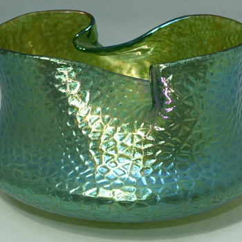 Loetz Creta Martelé silberiris, Production 132(alt 8009; 1899) - Art Glass
