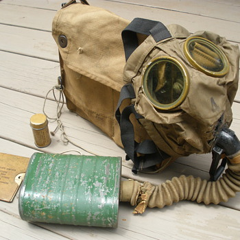 WWI era Small Box Respirator with bag. Named too! - Military and Wartime