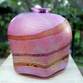 Glass vase by Kamei Japan - Art Glass