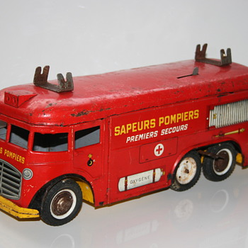 firetruck wind up tin toy joustra - Toys