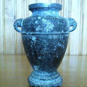 RARE...UNIQUE WORLDWIDE I THINK !!! - Art Pottery