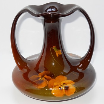 "Roseville Mirrored Brown Glaze, pensee ""Rozane"" Art Pottery, Circa 1900"