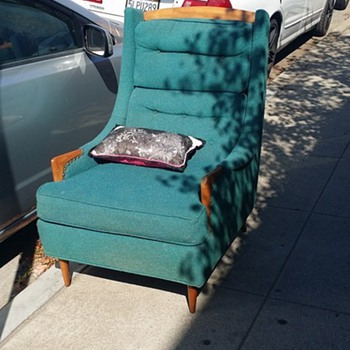 Curbside find - Furniture