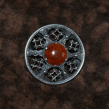 Kalupe Sterling Brooch with Amber