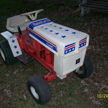1976 Spirit of '76 International Cub Cadet  - Tractors