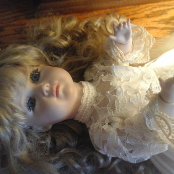 Kammer & Reinhardt / Simon & Helbig ALL Bisque 23 inch doll