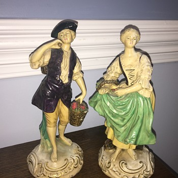 Borghese chalkware figures - Figurines