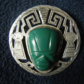 LARGE VINTAGE MEXICAN STERLING SILVER CARVED GREEN JADE MASK PENDANT BROOCH signed Bernice Goodspeed