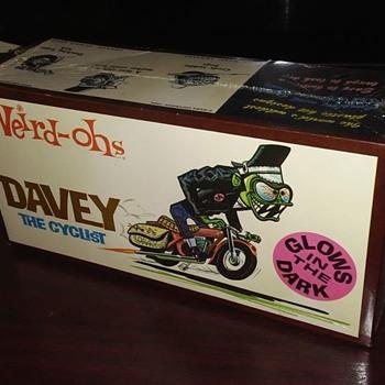 1960's Weird Oh's Davey Cyclist Glow in the dark model kit ! SEALED !