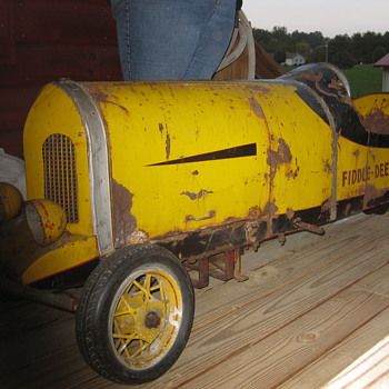 Looking for any info on this race car Fiddle Dee Dee