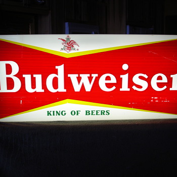 Budweiser Pool Table Light - Breweriana