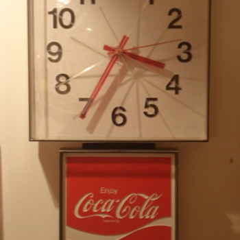 60&#039;s Coca Cola Wall Clock