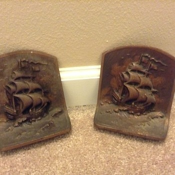 Cast metal book ends ????