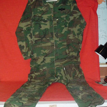 vietnam era flight suit - Military and Wartime