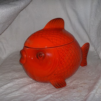 metlox red fish.  Anyone know anything about it? - Kitchen