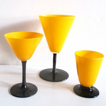 HARRACHOV YELLOW TANGO GLASSES FOLLOW UP - Art Glass