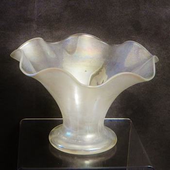Art Deco Stueben Carder?  Fluted Verre de Soie Ruffled Vase  - Art Glass