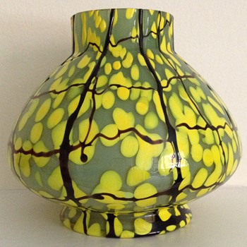 Trailed green and yellow spot vase Art Deco