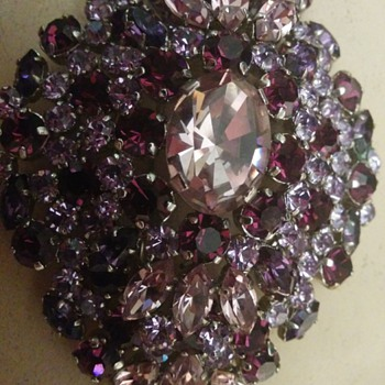 broach antique? - Costume Jewelry