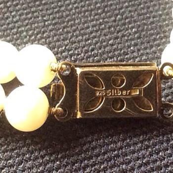 Vintage pearls - Costume Jewelry
