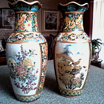 A Pair of Ornate Satsuma Vases / Birds and Floral Design with Moriage Gilding / Unmarked and Unknown Age - Asian