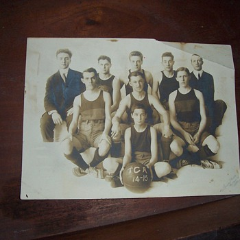 1900-1910 Old Photo of Sports Team - Photographs