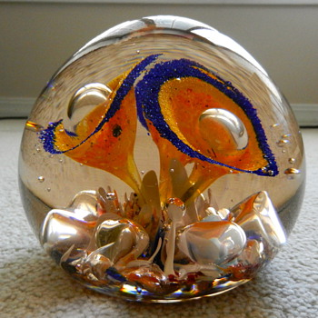 It&#039;s bigger than a paperweight - Art Glass