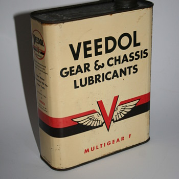 veedol oil can