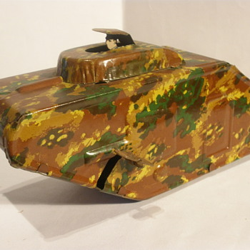 German WWI style tinplate tank, 1920s or early 1930s. Unknown Maker. 