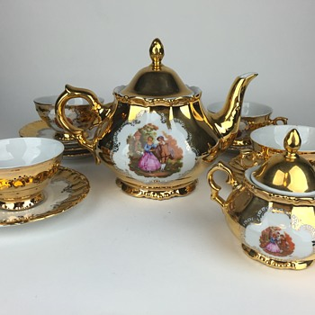 What is this? part 4! G P Bavaria Gold Tea Set