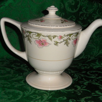 Homer Laughlin 1946? Liberty Teapot L46N6 - China and Dinnerware