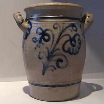 Stoneware large pot