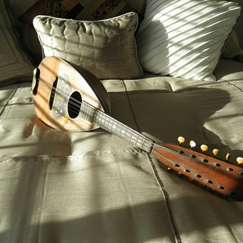 Rare Triple Mandolin - Guitars