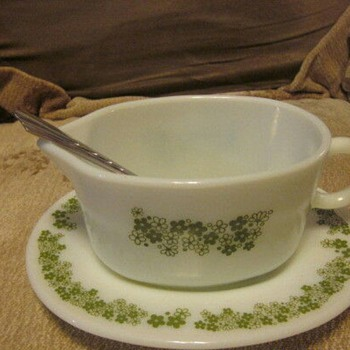 Spring Blossom Gravy Boat with Saucer - Kitchen