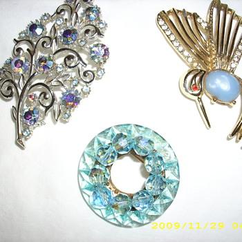 Recently found these pins.  Probably aren't anything special but I like them. - Costume Jewelry