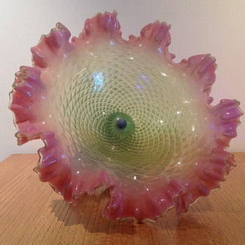 VICTORIAN 'COUPE À FRUITS' MYSTERY - Art Glass